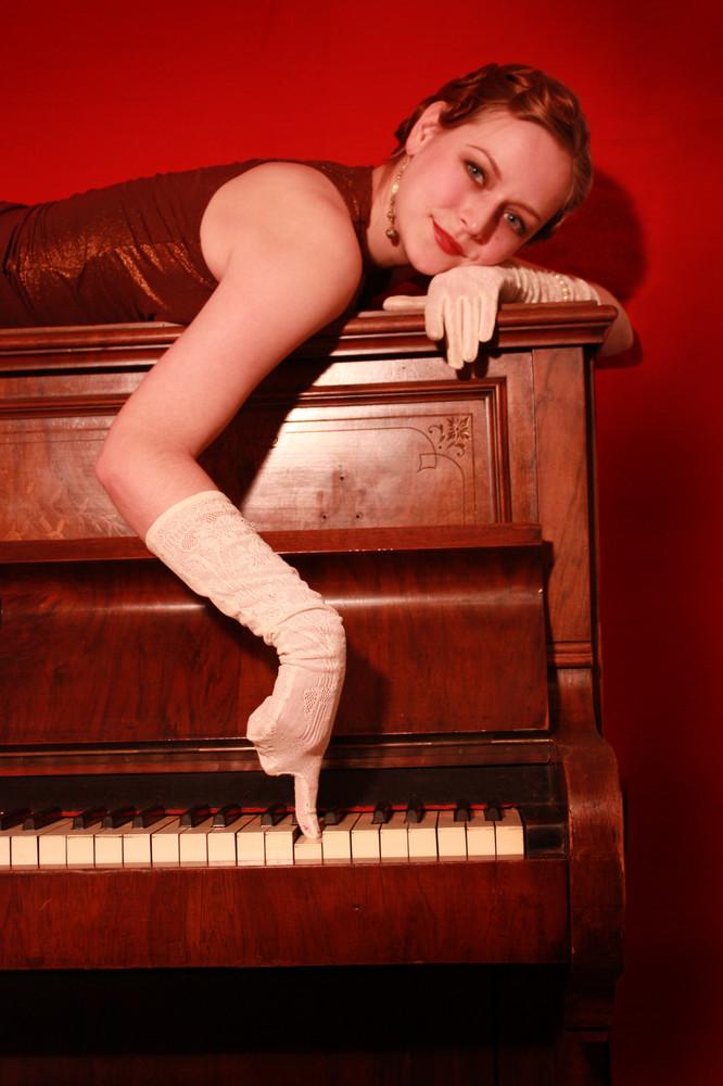 20er: Klavier und Maja 5