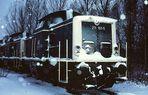 211161-5 im Schneegestöber im Bw Hof.