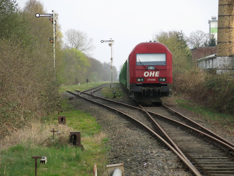 223 101 von der OHE steht in Wittenburg am 1April2014