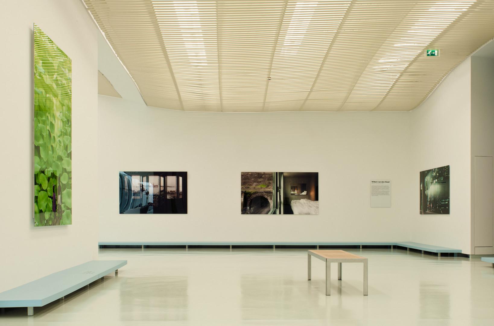 226, 120 & 4808 white in Museum het Valkhof