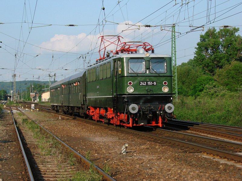 242 151-9 in Großheringen