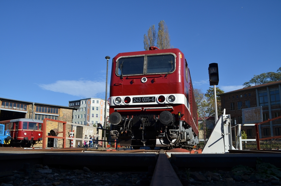 243 005 im Eisenbahnmuseum in Halle