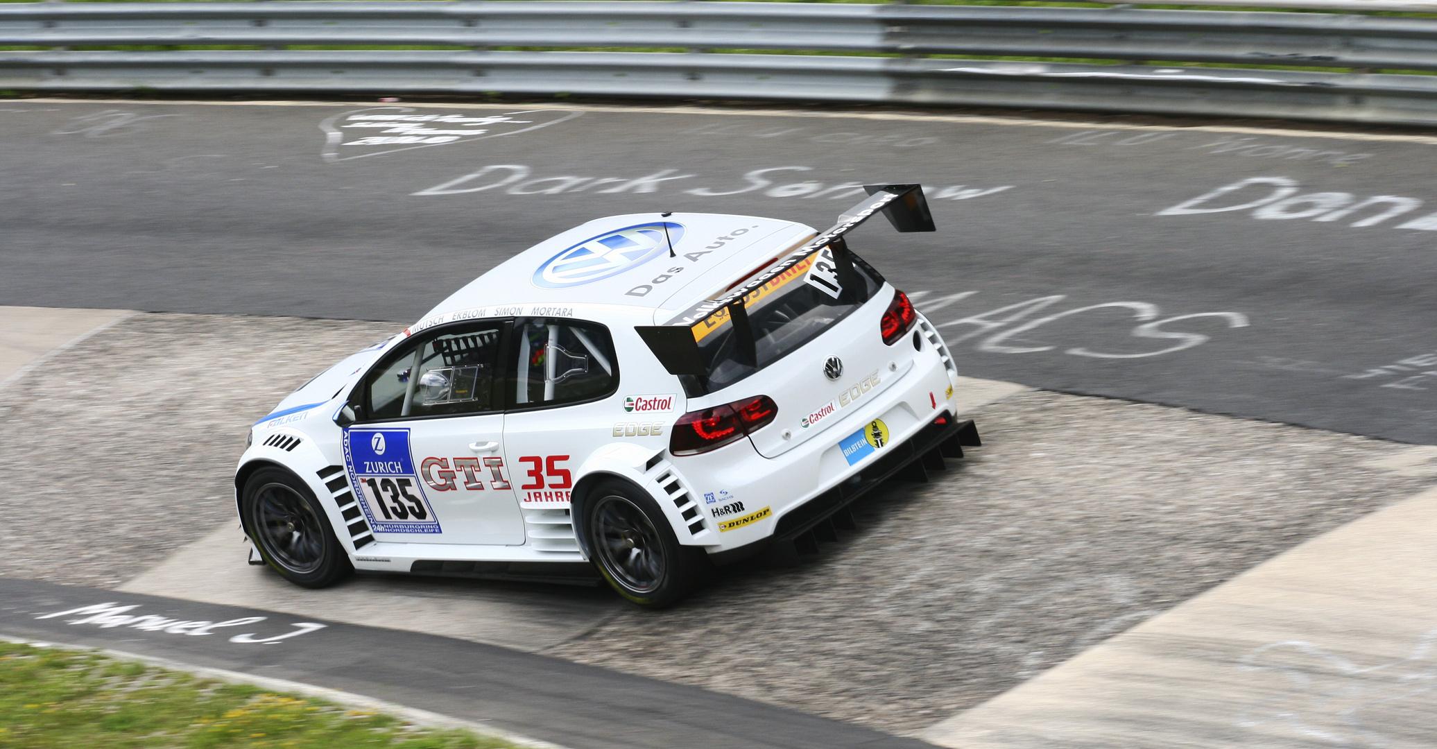 24h Nürburgring 2011 GOLF GTI 35