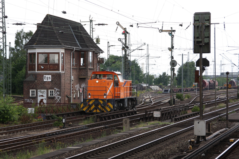 272 006 bei Kilometer 0 in Hamburg-Elbgaustraße
