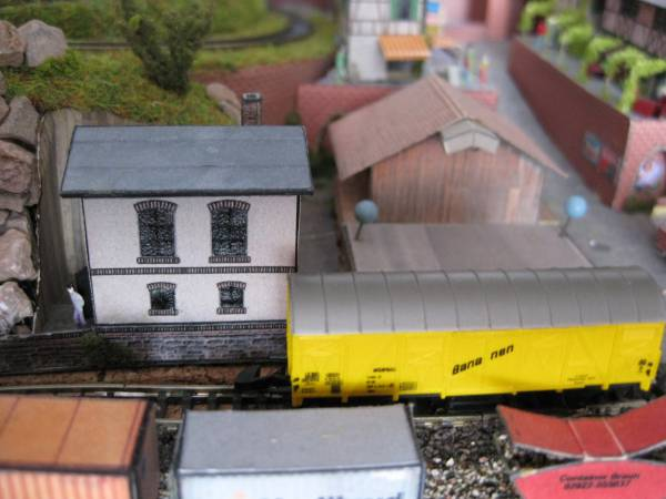 ::28:: Modelbahn im Aktenregal - Güterschuppen und Stellwerk