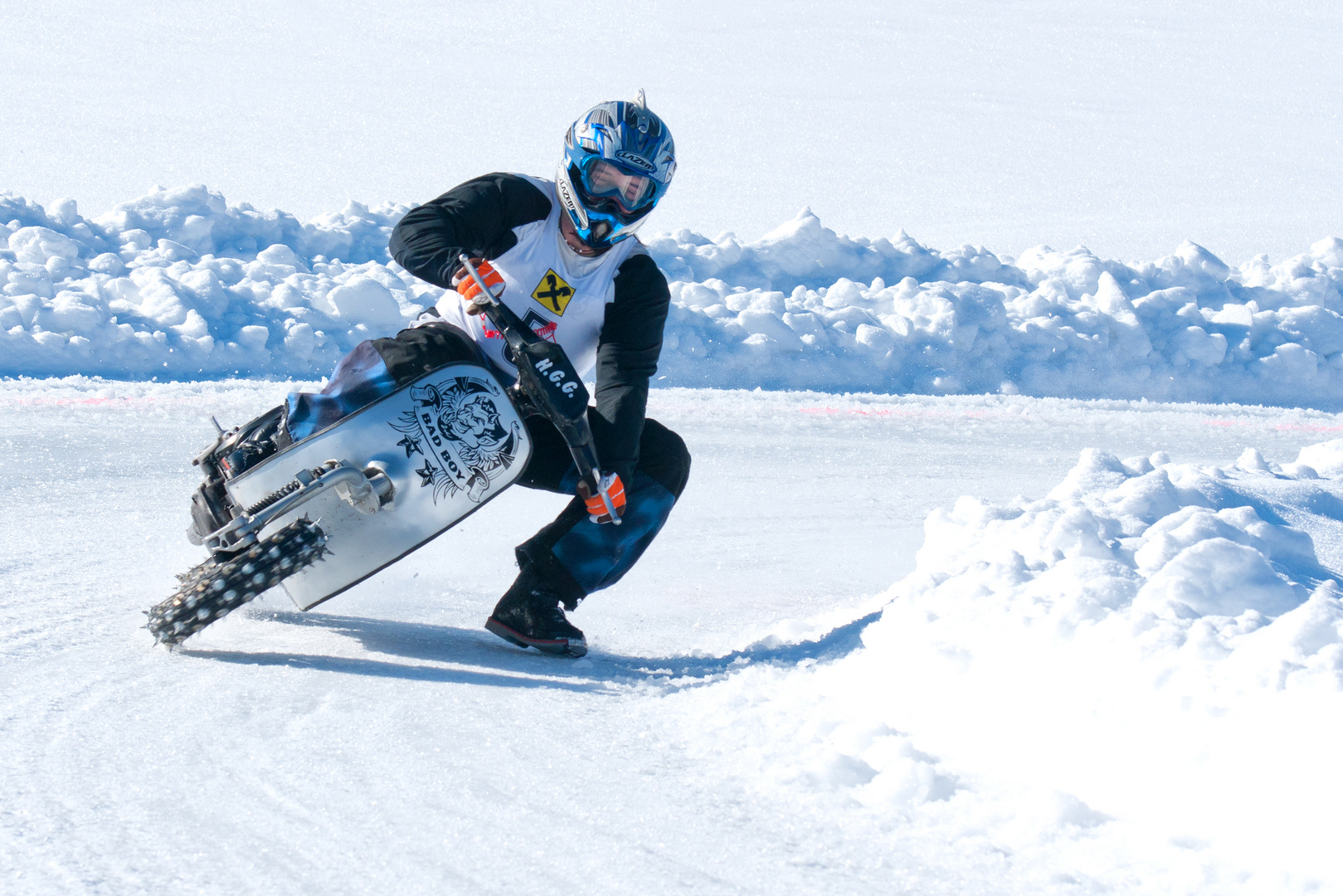 3 Eisrennen der Ybbstaler Rollerflotte .