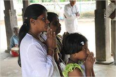 3 Frauen Tempel ... ... Sri Lanka