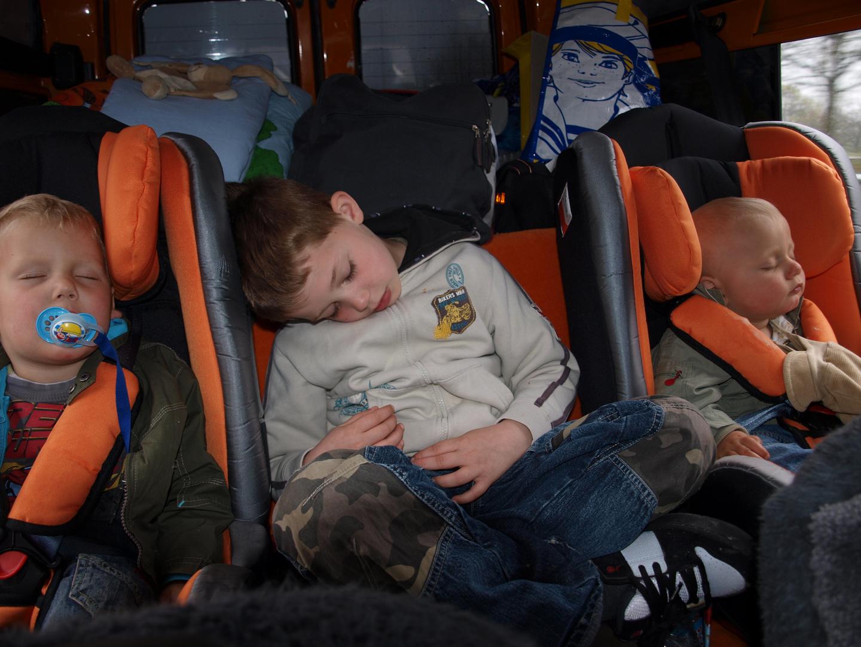 3 Schlafende Kinder
