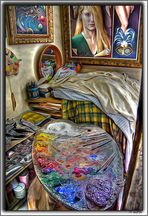 """(3) Vista interior estudio Quimet Sabaté. Paleta y al fondo la """"musa"""""""
