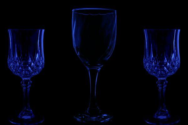 3 Weingläser bitte ...