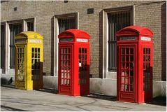 3 x Telephone