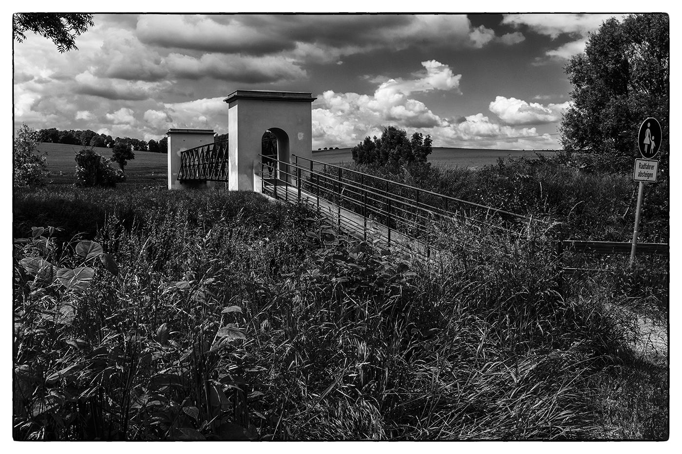 30/05/2014 -2 (Die Brücke am Fluß)