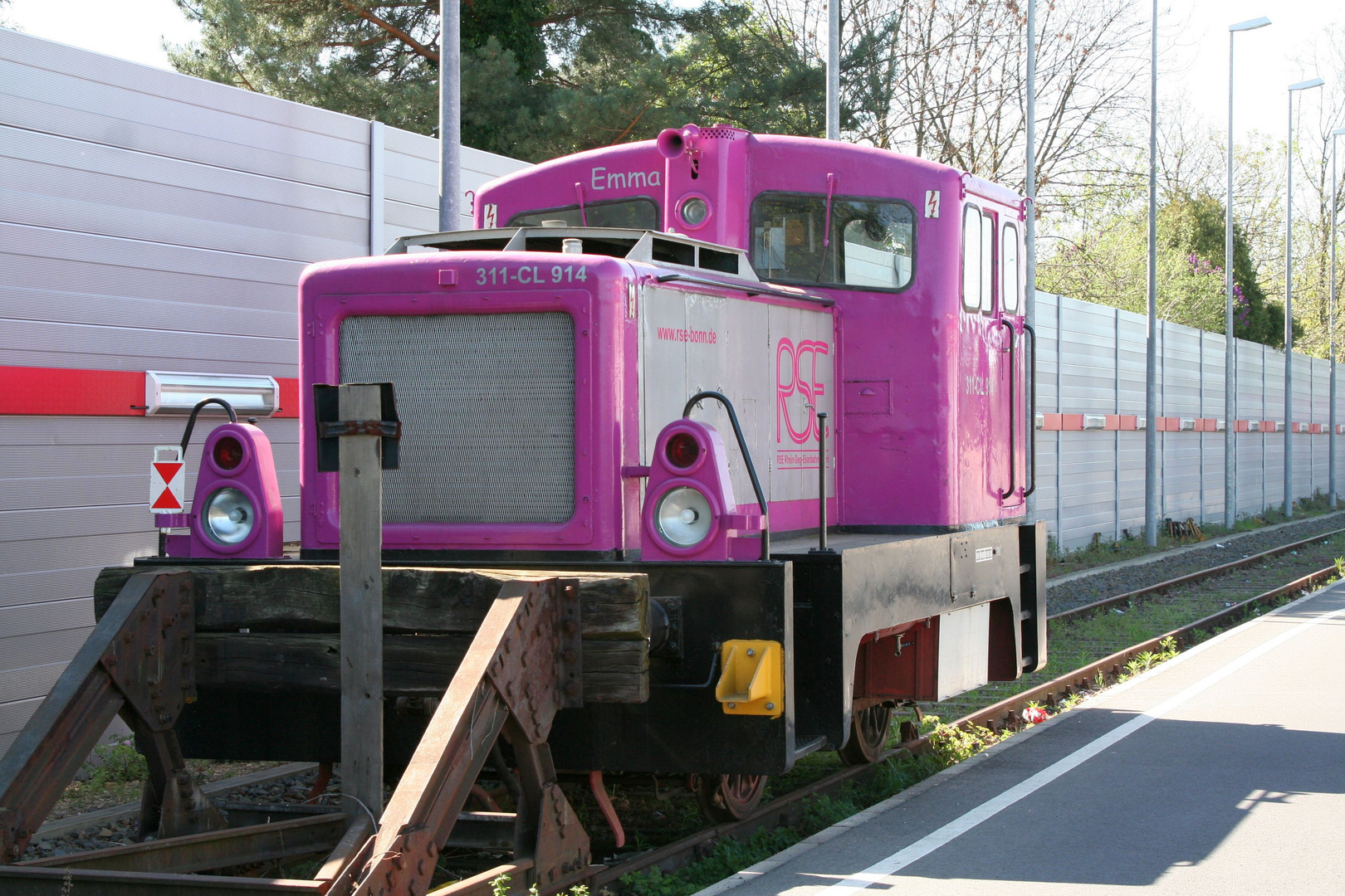 311 - CL 914