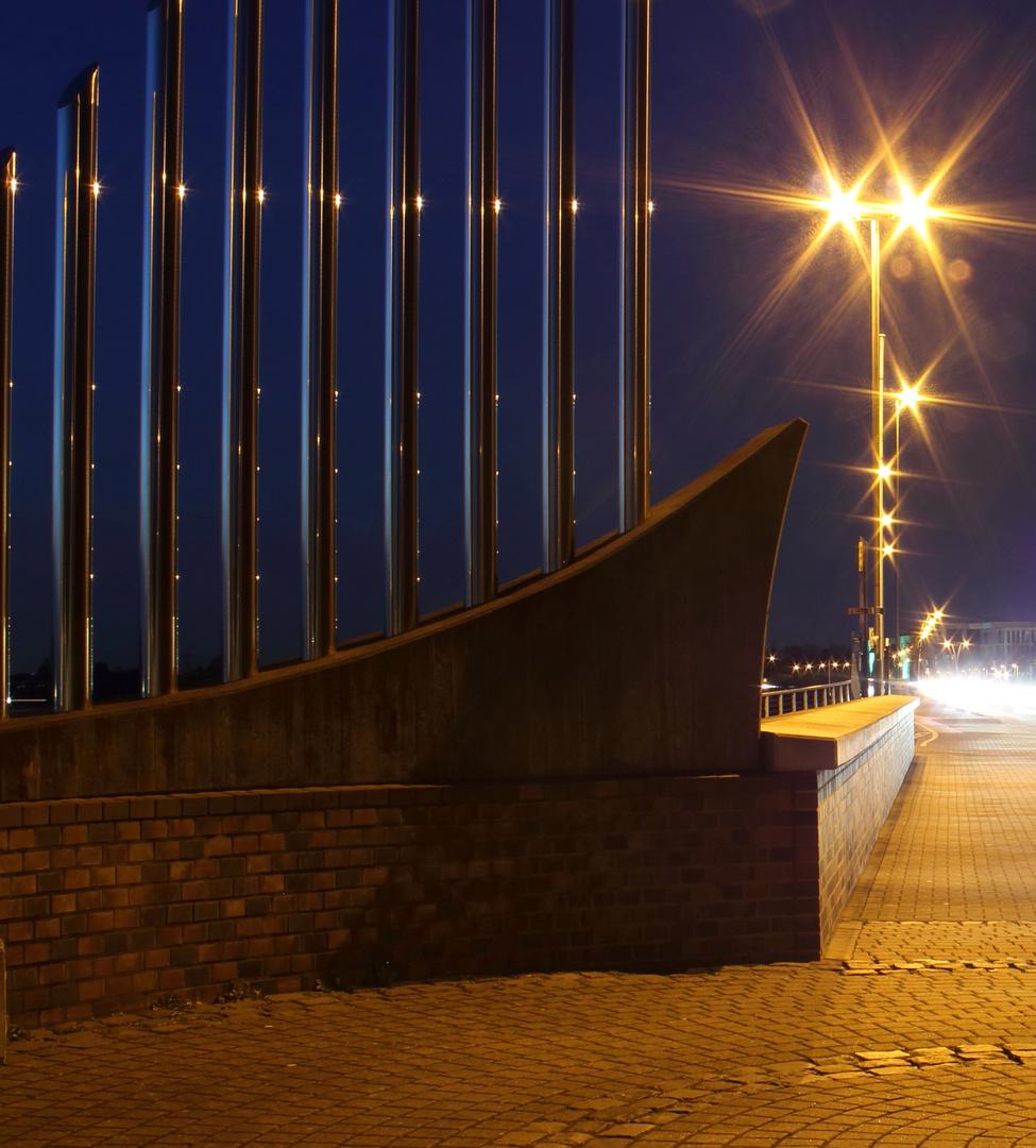 4. Dimension bei Nacht