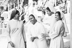 4 FRAUEN lachen SriLanka S-93-sw