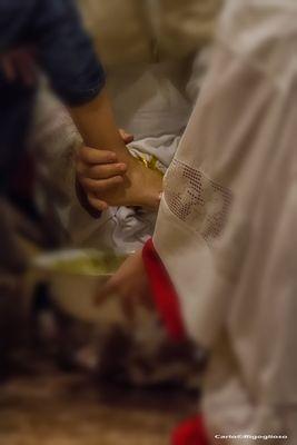 4 - Giovedì Santo, la lavanda dei piedi