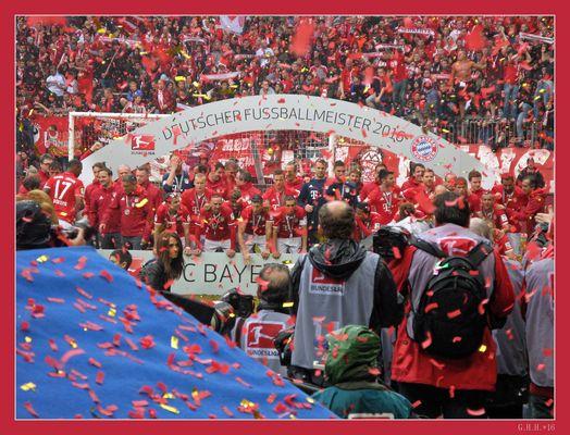 ***   4. MEISTERSCHAFT DES FC BAYERN IN FOLGE   ***