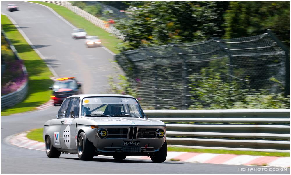 40. AvD OGP / BMW 2002 ti mit Verfolger ;-)