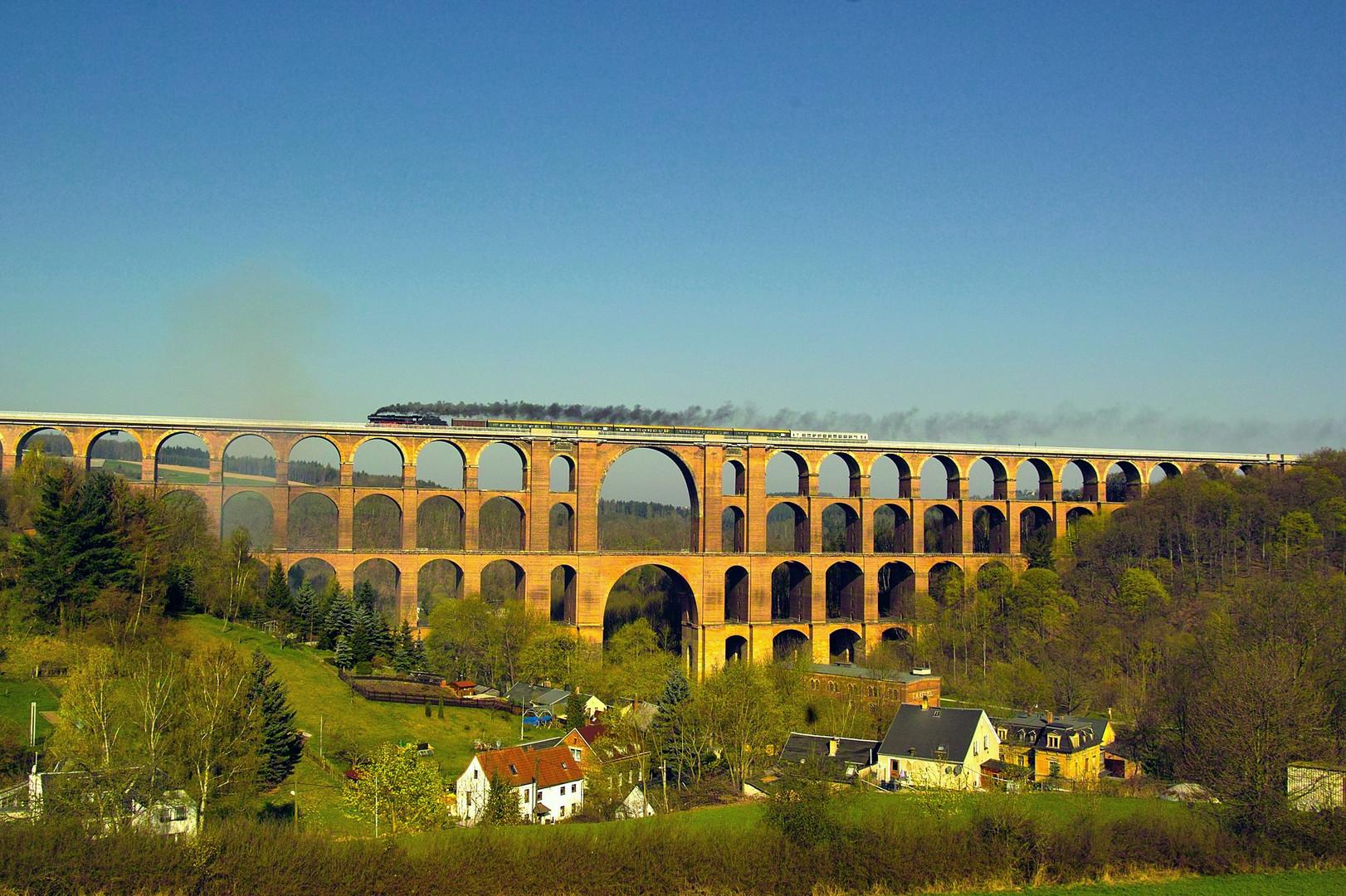 41 1144 auf dem Göltschtal Viadukt ...