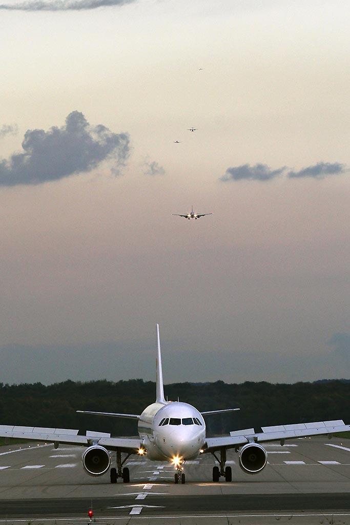 5 Flieger bei der Landung