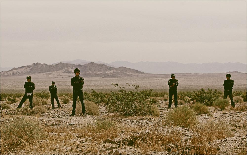.... 5 Friends in the Desert ....