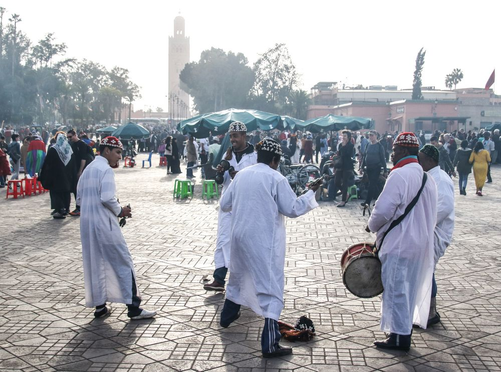 5 Musiker Platz Maroc col+SW