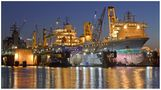 """Teil -- 16 -- : Maritime Arbeitswelten in Bremerhaven am 9.12.2015 �Volle Docks ..voller Einsatz """" by Jürgen Teute"""