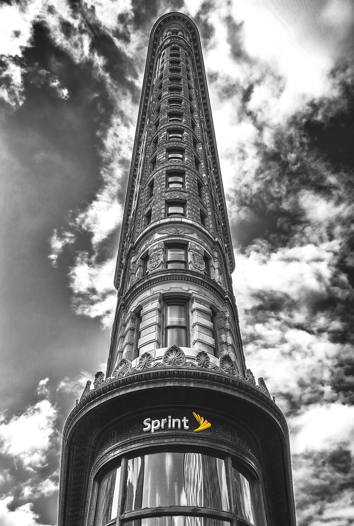 - 5th Avenue Building -