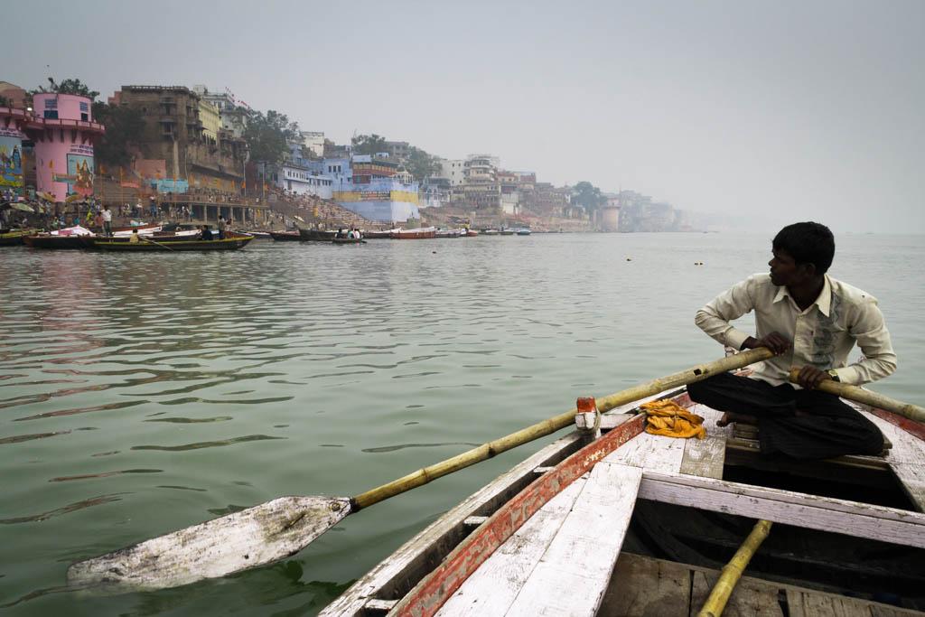 6 Uhr morgens am Ganges.