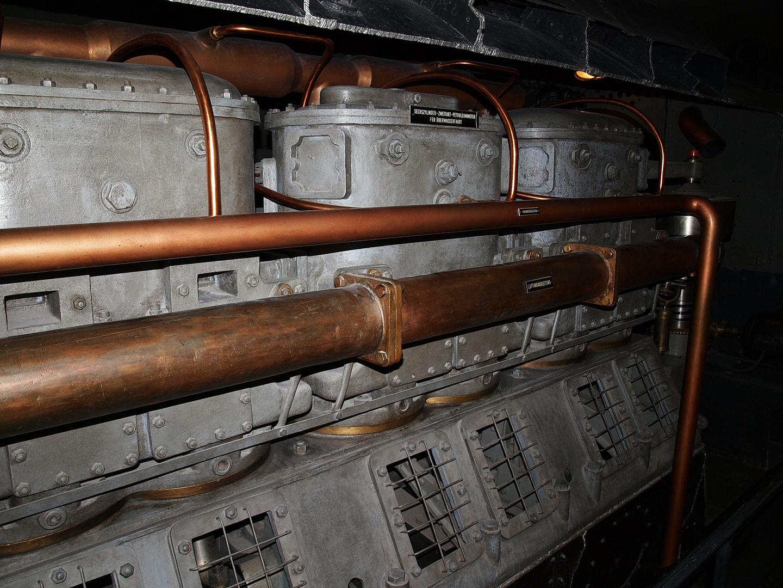 6 Zylinder 2 Takt Petroleummotor