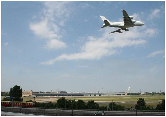 60 Jahre Berliner Luftbrücke / Flughafen Tempelhof