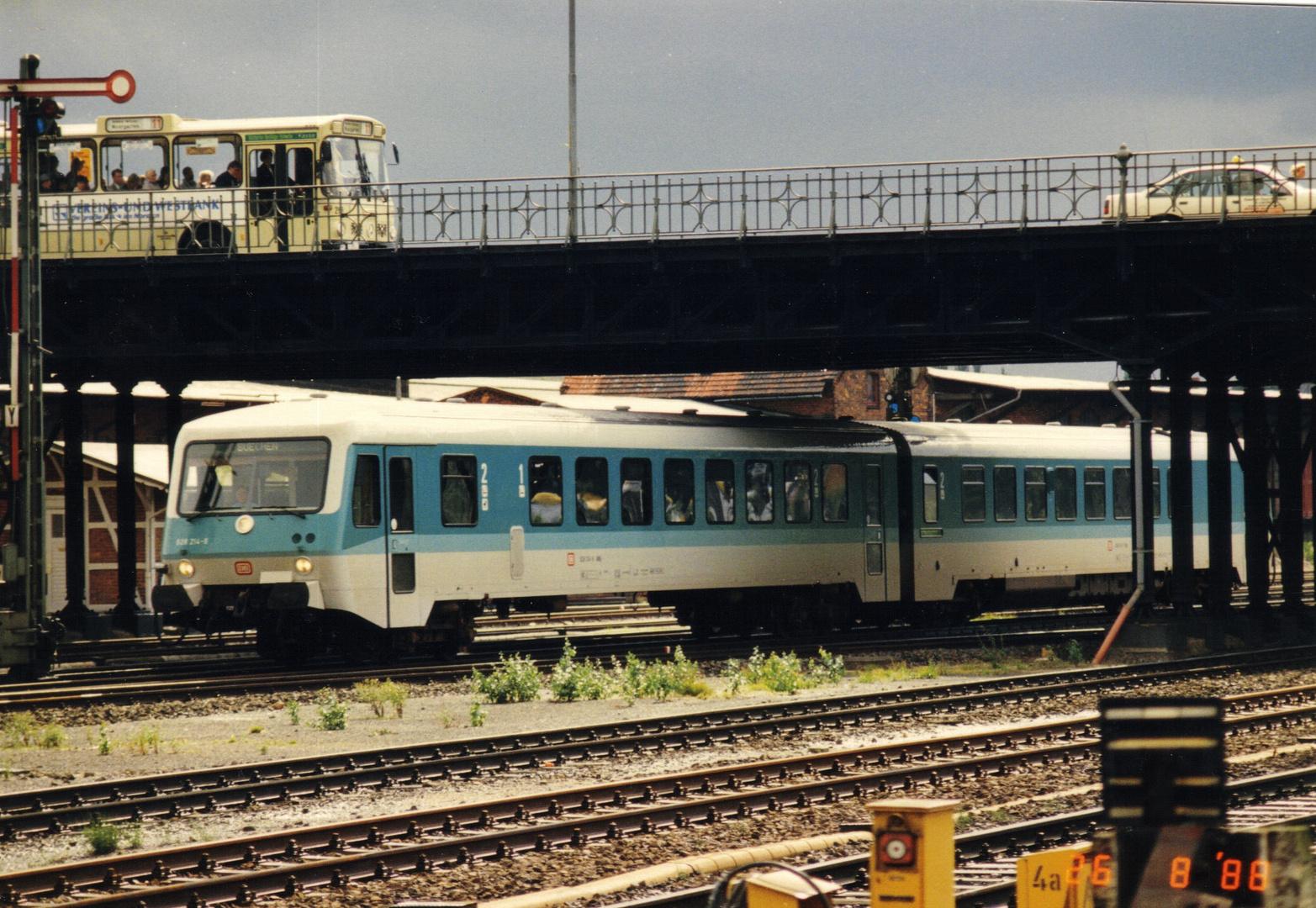 628 214 August 1988 EInfahrt in Lübeck Hbf