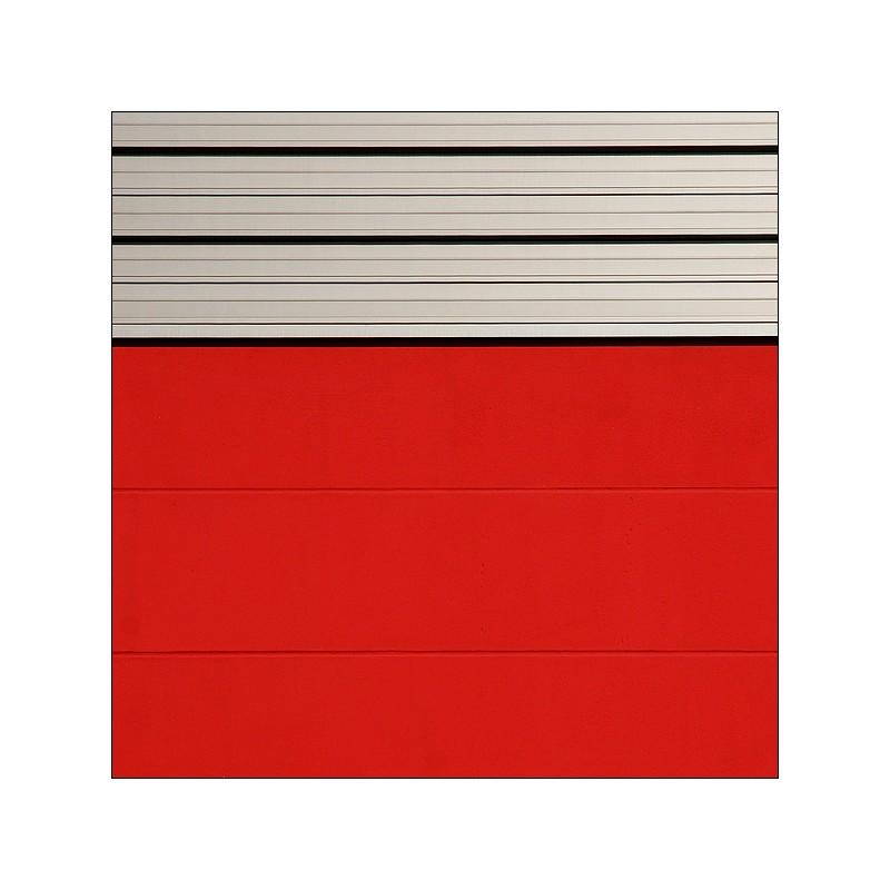 []_628_ Rot mit grau