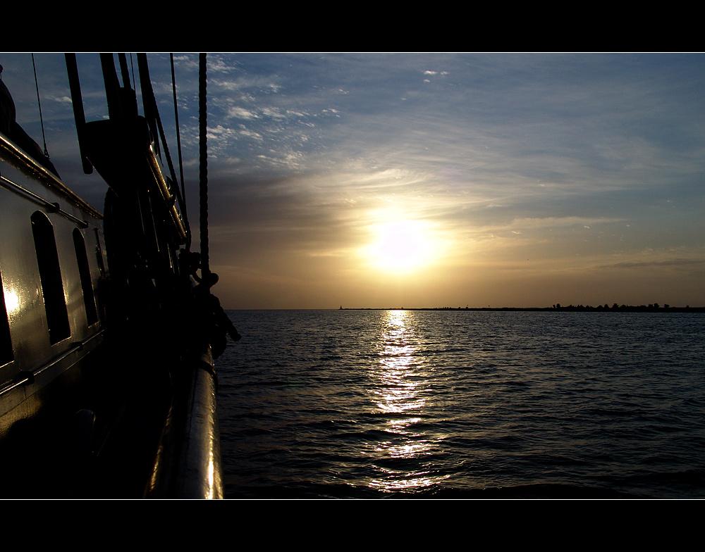 6.33 Uhr auf dem Ijsselmeer