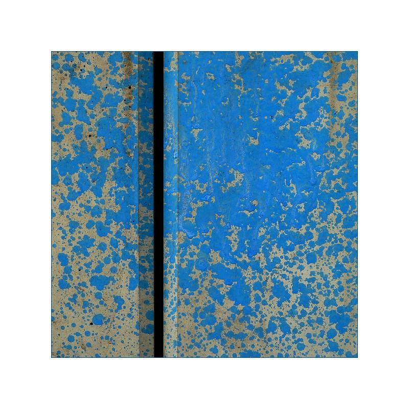 []_674_ Blau gespritzt