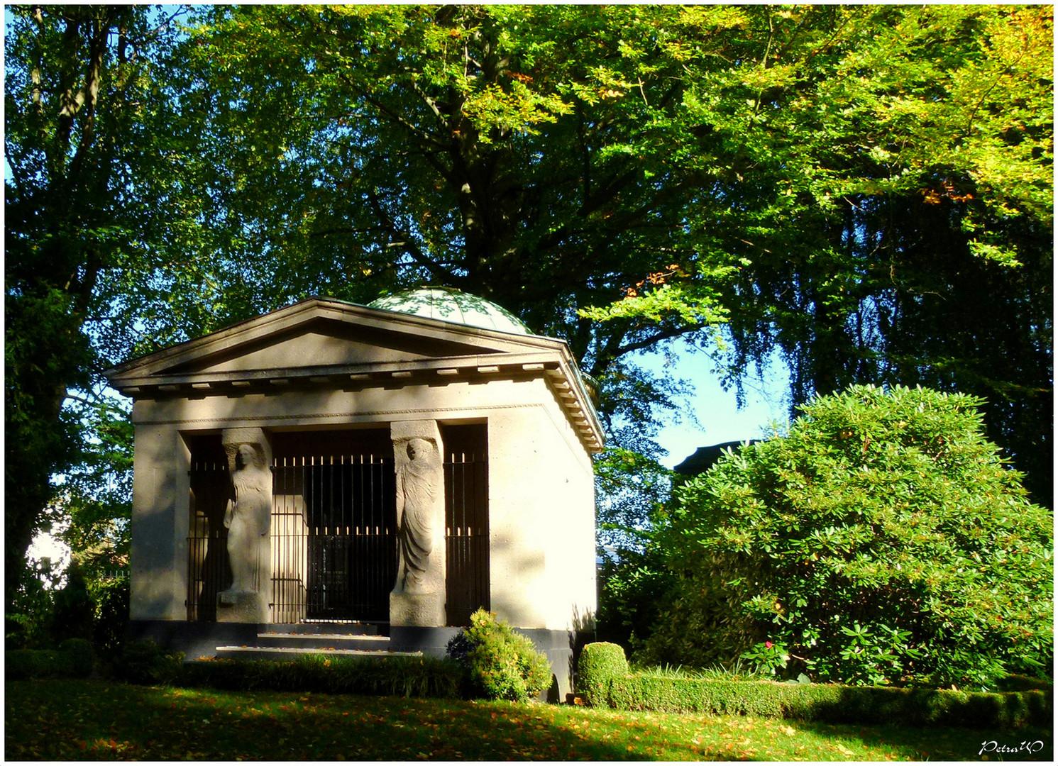 7 Ohlsdorfer Friedhof, Hamburg - Mausoleum