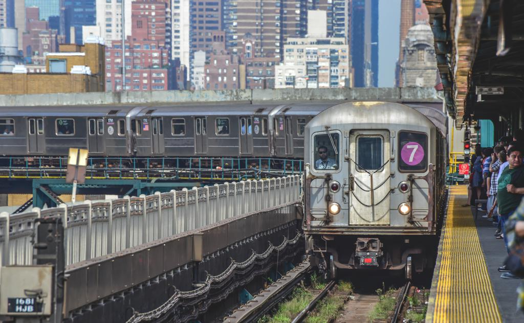 7 Train Einfahrt Queensboro Plaza