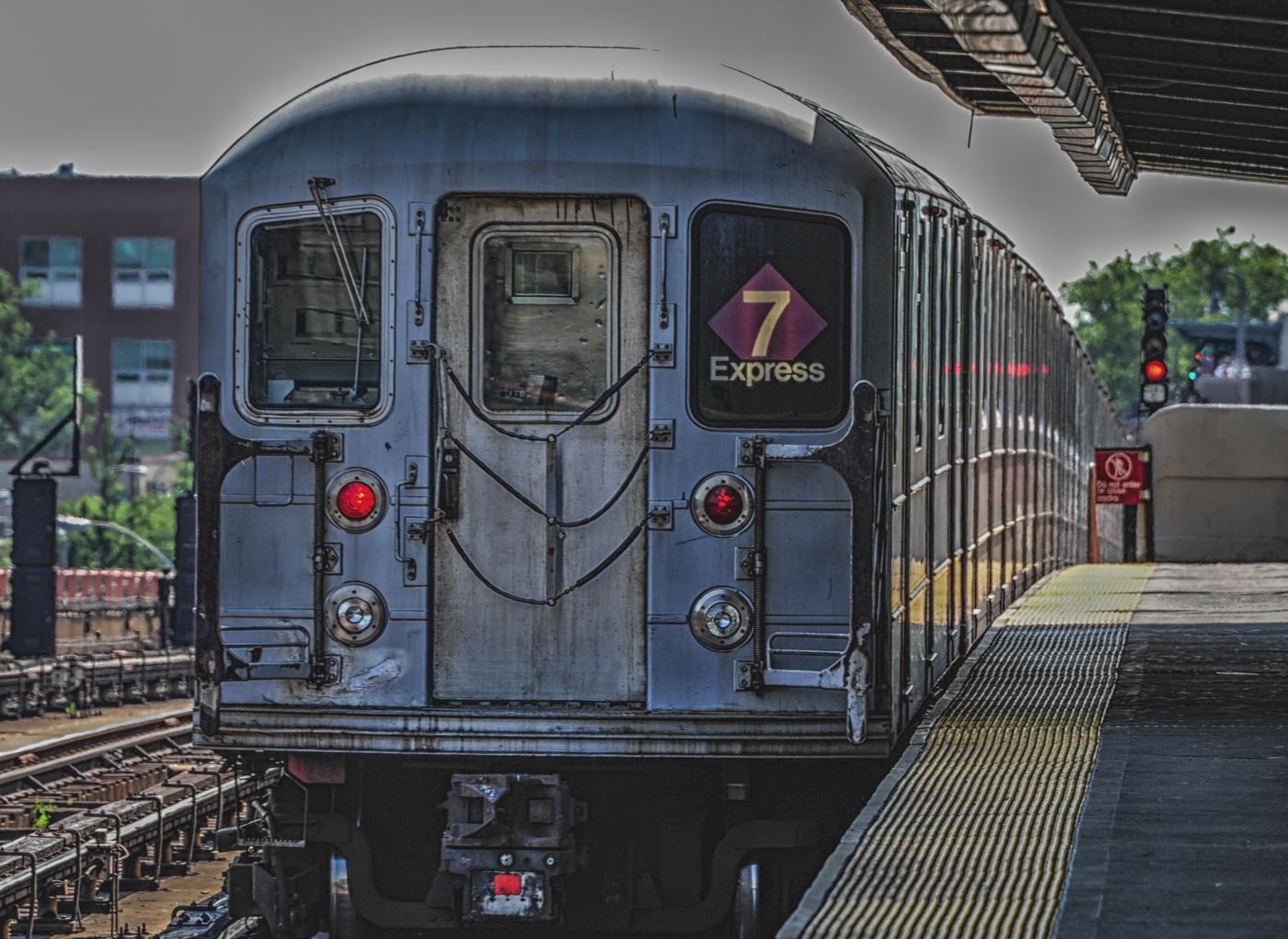 7 Train Express