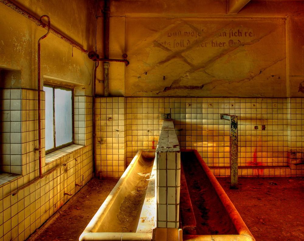70-Jahre Waschraum