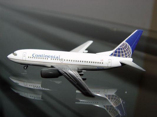 737-700