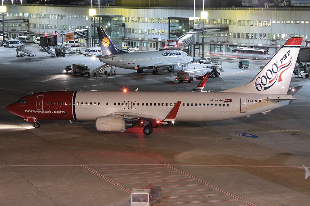 737-800 Norwegian LN-NOL 6000th