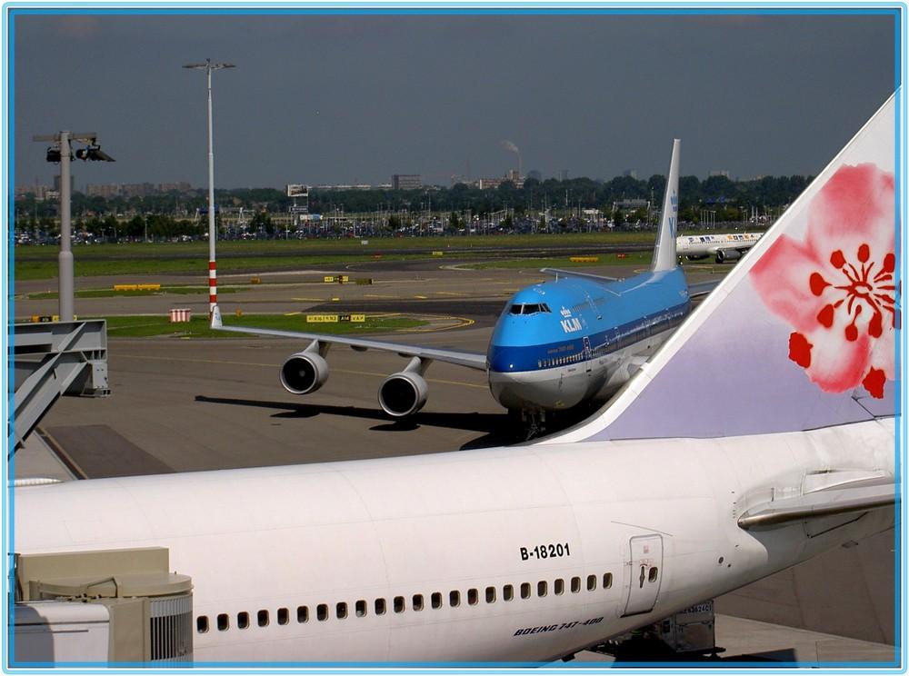 747 - - - wieder zu Hause.....
