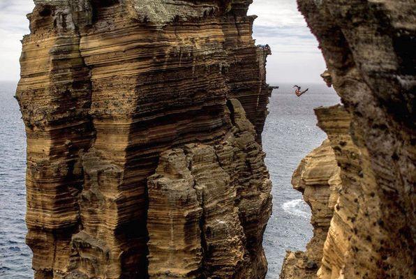 9 fach Weltmeister Orlando Duque - Epische Felsensprünge - zurück zu den Wurzeln auf den Azoren