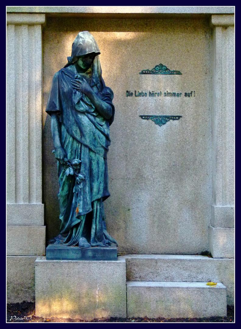 9 Ohlsdorfer Friedhof, Hamburg - Grabmal