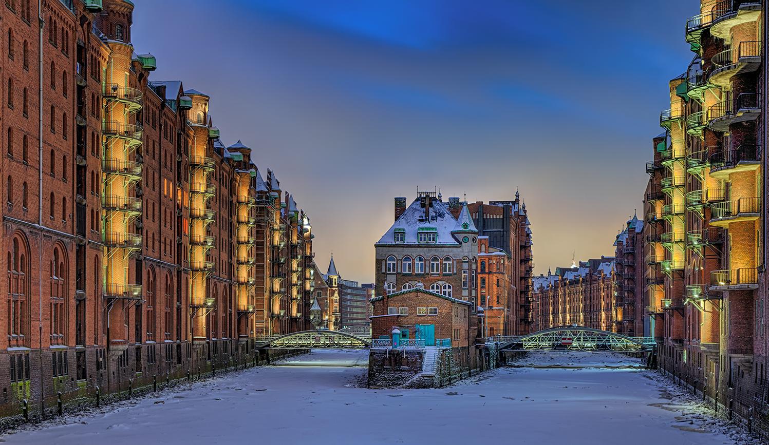 9487d 9491d speicherstadt hamburg winter schnee nacht panorama foto bild architektur winter. Black Bedroom Furniture Sets. Home Design Ideas
