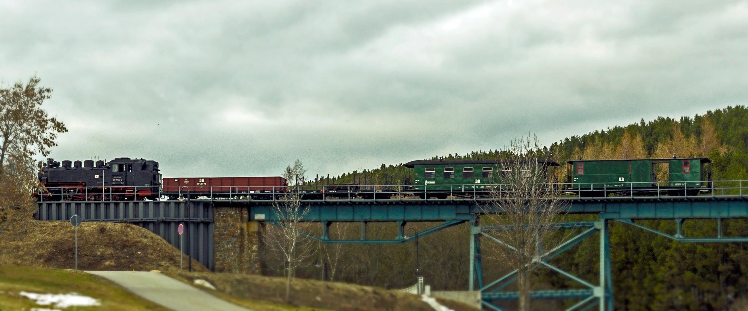 99 1773-3 auf dem Hüttenbachviadukt