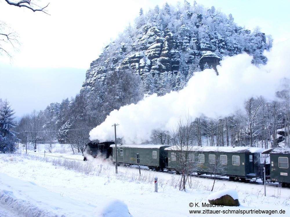 99 731 Zittauer Gebirge Ankunft im Bahnhof Oybin bei -15° und Schnee