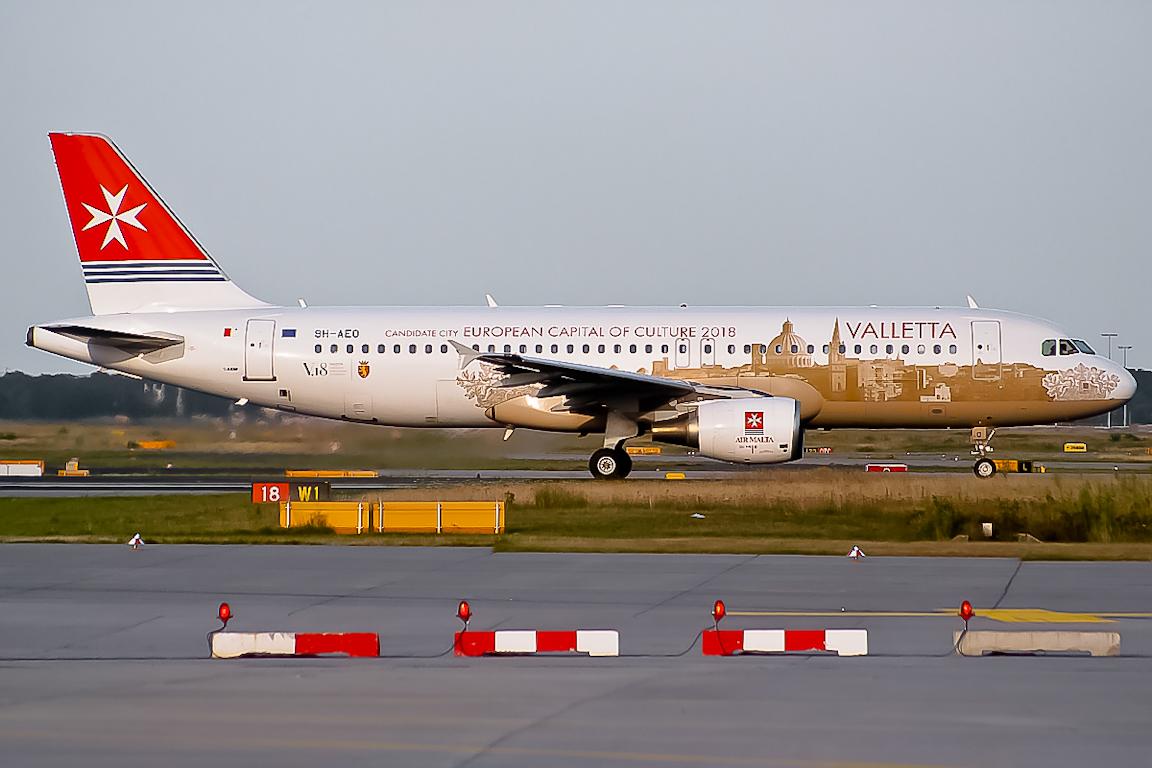 9H-AEO Air Malta Airbus A320-200