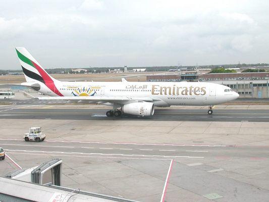 A 330-200 Emirates