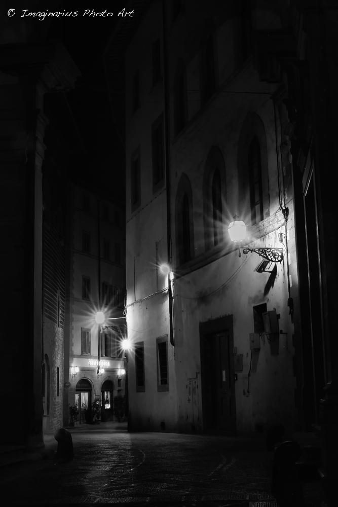 a alleyway in Florence - eine Gasse in Florenz